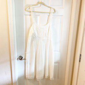 Vintage Women's White Slip Dress Nightgown Lace De